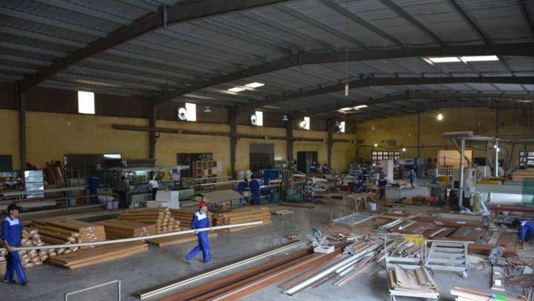 Cửa gỗ Austdoor - Huge: Cửa gỗ công nghiệp, cửa gỗ nhựa