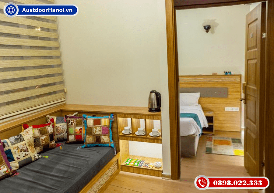 Phòng ngủ có 2 cửa thông nhau