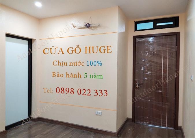 Mẫu cửa gỗ nhựa composite chịu nước Huge lắp tại chung cư cao cấp