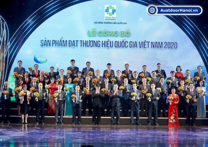 tập đoàn cửa cuốn austdoor nhôm topal đạt giải thưởng thương hiệu quốc gia 2020
